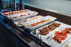 Bei uns finden Sie alles für den perfekten Start in den Tag. Design Hotel, Villa, Food, Eten, Villas, Meals, Diet