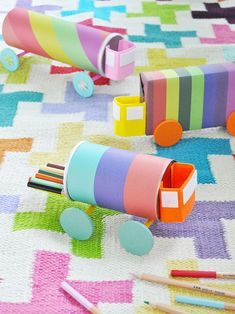 Not only are these colorful DIY trucks fun to play with, they can be used as craft storage too! Diy And Crafts Sewing, Diy Projects For Kids, Fun Crafts For Kids, Diy For Kids, Arts And Crafts, Paper Crafts, Craft Projects, Diy Recycled Toys, Diy Toys