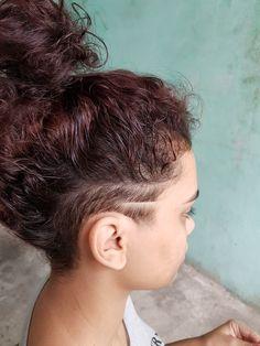 Undercut Curly Hair, Undercut Hairstyles Women, Long Curly Hair, Braided Hairstyles, Curly Hair Styles, Long Hair Shaved Sides, Shaved Hair Designs, Dream Hair, Hair Looks