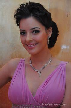 cool Actress Kristina Akheeva New Photo Gallery
