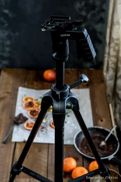 """BEHIND THE SCENES - FOOD PHOTOGRAPHY TUTORIAL - HOW TO - FOOD BLOG: GRUB WITH AN INDIAN ABROAD - OPSD blog - DIETRO LE QUINTE - FOOD BLOG - GUEST POST English/Italian  - Vieni a curiosare come i food blogger preparano i propri set! Scoprilo in questi guest post """"dietro le quinte"""" e tutorial sulla fotografia di food!"""