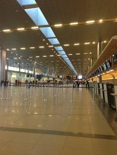 Aeropuerto Internacional El Dorado (BOG) en Bogotá, Bogotá D.C. International Airport, Modern, Travel, El Dorado, Board, Trendy Tree, Viajes, Destinations, Traveling