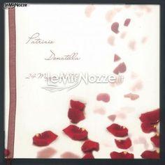 http://www.lemienozze.it/operatori-matrimonio/partecipazioni_e_tableau/tipografia_salassa/media/foto/14  Partecipazioni di matrimonio con petali di rosa
