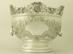 An exceptional, fine and impressive, large antique Edwardian Scottish sterling silver bowl in the Monteith style