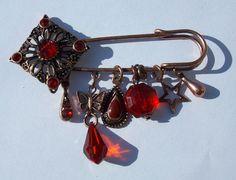 Vintage Ruby Red Stones Kilt Pin Brooch