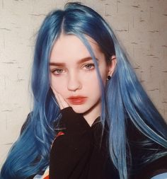 Styling tips blue Hair Hair inspiration dyed Hair wavy Hair Hair tutorial Hair Color Blue, Cool Hair Color, Hair Colors, Light Blue Hair, Bright Colored Hair, Half Colored Hair, Purple Hair, Blue Hair Aesthetic, Aesthetic Grunge