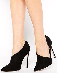 the perfect black heels