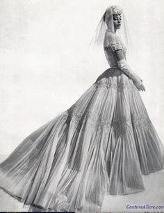 Nina Ricci wedding gown, 1954