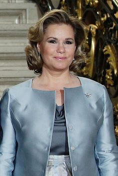Her Royal Highness the Grand Duchess of Luxembourg, Maria-Teresa, celebrated her birthday on Friday. The spouse of Grand Duke Henri, the Grand. Grand Duc, Maria Teresa, Royal Fashion, Gabriel, Dame, Hair Makeup, Elegant, Celebrities, My Style