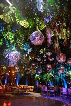 Bar Deco, Decoration Inspiration, Jungle Party, Wedding Decorations, Disco Party Decorations, Quince Decorations, Balloon Decorations, Event Decor, Party Planning