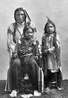 Southern Cheyenne Father And His Sons In Oklahoma - Ca 1895.