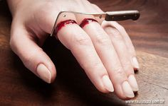 Head-turning cleaver double-ring by Brazilian designer Raul Souza. #LoL #wow