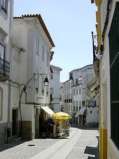Images and photos Evora ,Evora Portugal and its environment, landscapes and monuments, 129 Famous Places, Travel Planner, Portuguese, Places To See, The Good Place, Spain, Street View, Vacation, Country