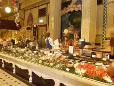 Harrods Food Hall -Fish Department Market Stall (London) 百貨公司 倫敦 伦敦鱼市 by shorty_nz_2000, via Flickr