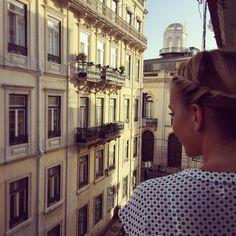 #throwback ☀️. #holidays#lisbon#lisboa#city#girl#traveling#travelgram#view#happyme#street#fromwhereistand#bairroalto#chiado#portugal#goodtimes#couple#streetart#oldtown#blonde#bremen#sunnyday#tb#student#architecture#streetstyle#lisboalive#travelphotography http://butimag.com/ipost/1558592738218401162/?code=BWhO9ZvAt2K