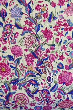 The Sajou collection of printed fabrics with floral motifs called Indian. Recommended for patchwork, Pattern Art, Print Patterns, Floral Patterns, Fancy Words, Vintage Design, Vintage Textiles, Floral Motif, Textile Design, Painting Inspiration