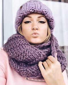 """377 Likes, 19 Comments - ВязаниеКардиганыСнудыШапки (@anastasiya.samartseva.knitting) on Instagram: """"Все посмотрели видео в предыдущем посте ? . . А я решила напомнить, что у меня есть : шапочки…"""""""