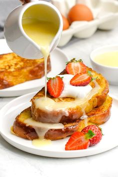 Thick slices of French toast bread seasoned with cinnamon and nutmeg, and topped 4 different ways. This classic French toast recipe will become a regular in your breakfast rotation. No matter how you choose to