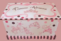 Princess Tiara Toy Chest with Polka Dots por originalsbybarbmazur