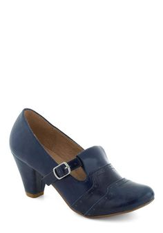 Great page showing sources for modern shoes in 1920s styles.  Links don't work, but you can go to the websites directly and search for the shoes you're looking for.