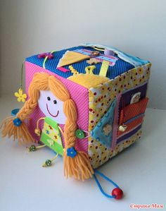 Like the design and way hair is done on this cube, idea for ER doing hair page Sewing For Kids, Baby Sewing, Diy For Kids, Baby Sensory, Sensory Toys, Baby Quiet Book, Quiet Books, Fidget Quilt, Felt Books