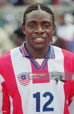 may-2001-portrait-of-oliver-makor-of-liberia-before-the-world-cup-b-picture-id951233 (664×1024)