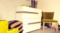Elegancka kolekcja do sypialni i salonu. Elegant collection for bedroom and living room.