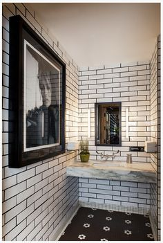 Too wide of black grout lines.The Aestate: White subway tile with black grout? Black Grout, Grey Grout, Metro White, White Subway Tiles, White Marble, Beautiful Bathrooms, Bathroom Inspiration, Design Inspiration, Design Ideas