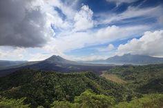 De Kintamani vulkaan tijdens een weerswisseling