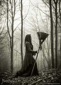 Images search results for vintage witch from Dogpile. Gothic, Image Deco, Witch Pictures, Season Of The Witch, Dark Photography, Photography Basics, Witch Art, Witch Aesthetic, Conte