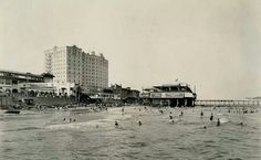 Swimmers in Galveston, Galveston Texas, Galveston Island, Texas History, Old Images, Crystal Palace, New York Skyline, The Past, 1920s, World