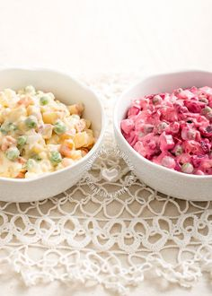 Receta Ensalada Rusa: Un clásico de la cocina dominicana y latina, y plato obligatorio en la cena navideña. Existen diversas variaciones de esta receta.