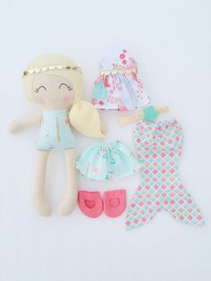 Viste a la muñeca  tela  muñeca hecha a por LittleSunshineShop11
