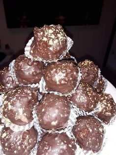 Sweets Recipes, Desserts, Ferrero Rocher, Confectionery, Truffles, Finger Foods, Nutella, Muffin, Food And Drink