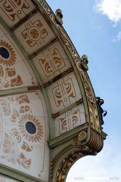 Otto Wagners' U-bahn pavilion at Karlsplatz, Vienna Gaudi, Historical Architecture, Architecture Details, Art Nouveau Arquitectura, Otto Wagner, Vienna Secession, U Bahn, Art Deco Home, Arte Floral