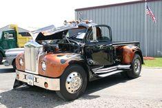 This is a Pickup Old Mack Trucks, Mini Trucks, Custom Pickup Trucks, Classic Pickup Trucks, Antique Trucks, Vintage Trucks, Truck Mods, Train Truck, Show Trucks