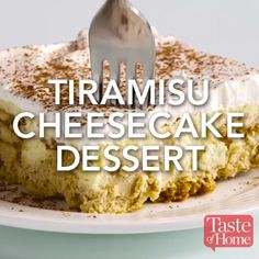 Tiramisu Cheesecake The latest recipes and sweet suggestions. Tiramisu Cheesecake, Tiramisu Recipe, Cheesecake Desserts, Just Desserts, Delicious Desserts, Dessert Recipes, Yummy Food, Cheesecake Frosting, Cheesecake Decoration