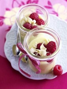 White chocolate cream Recipe: Persons, Couverture, Whipped Cream, Cream Fastener, Hi … - Quick and Easy Recipes Trifle Desserts, Pudding Desserts, No Cook Desserts, Summer Desserts, Cheesecake Recipes, Dessert Recipes, Chocolate Cream, Chocolate Desserts, Chocolate Cake