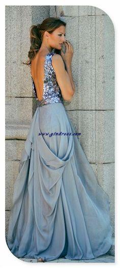 I love the drape of that skirt!