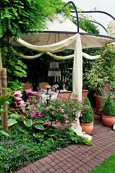 Gaten pictures in summer - Do Garden Outdoor Spaces, Outdoor Living, Outdoor Decor, Garden Pavillion, Backyard Layout, Decks And Porches, Garden Structures, Shabby Cottage, Garden Inspiration