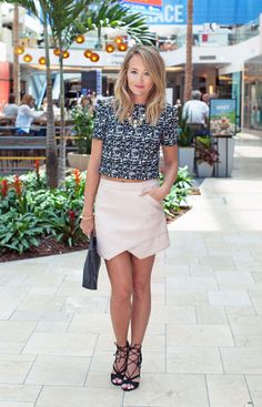 dress up and down this amazing leather skirt