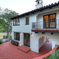 Exterior Spanish colonial revival Design Ideas, Pictures, Remodel and Decor