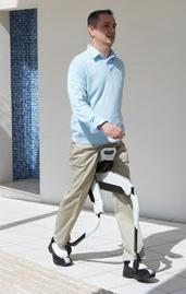 La singularidad tecnológica ya está aquí: Exoesqueleto de Honda. Una ayuda para caminar como Asimo.