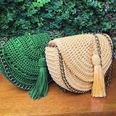 Crochet backpack pattern inspiration / crochet bag from t-shir yarn - Salvabrani Crochet Backpack Pattern, Crochet Purse Patterns, Knitting Patterns, Crotchet Bags, Knitted Bags, Crochet Handbags, Crochet Purses, Crochet Shell Stitch, Crochet Stitches
