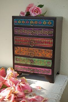 Indian Chest of Drawers: I think I'll do something like this on that old vintage piece I bought!