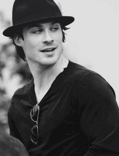 I mean, really?! Can you BE any hotter, Ian Somerhalder?!