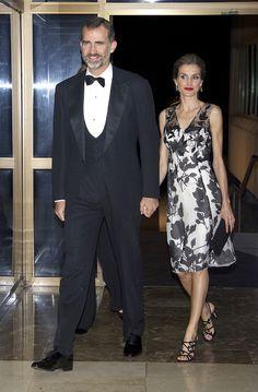 Don Felipe y doña Letizia, la elegancia y complicidad de unos Reyes comprometidos con el periodismo - Foto 1