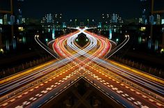 Graffiti de Velocidad / Espejo de Simetría, por Shinichi Higashi © Shinichi Higashi