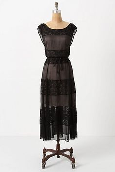 I love this Dress! Would pair it with nude pumps & classic jewelry for date night....or bold chunky turquoise for a work day....  <3
