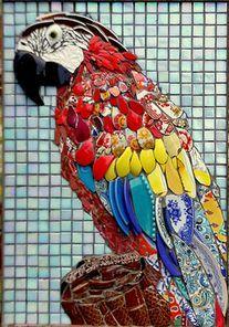 I love parrots! Mosaic Artwork, Mosaic Wall Art, Mosaic Diy, Mosaic Garden, Mosaic Crafts, Tile Art, Mosaic Animals, Mosaic Birds, Stone Mosaic